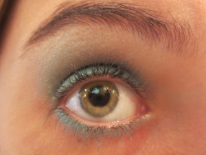 Random Makeup Pics, and Green Blog Look 010