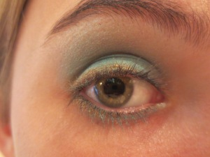 Random Makeup Pics, and Green Blog Look 011