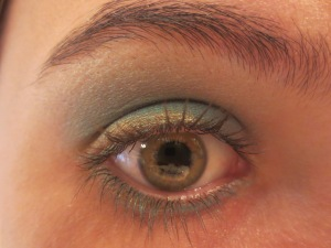 Random Makeup Pics, and Green Blog Look 012