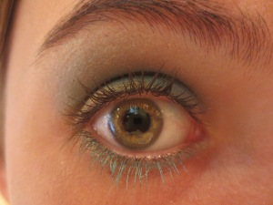 Random Makeup Pics, and Green Blog Look 013