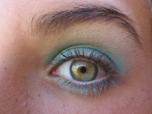 Random Makeup Pics, and Green Blog Look 015