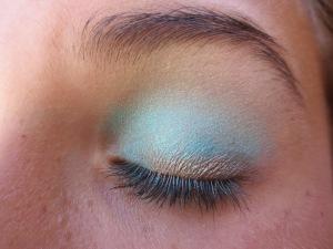 Random Makeup Pics, and Green Blog Look 016