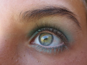 Random Makeup Pics, and Green Blog Look 017