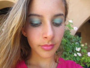 Random Makeup Pics, and Green Blog Look 020